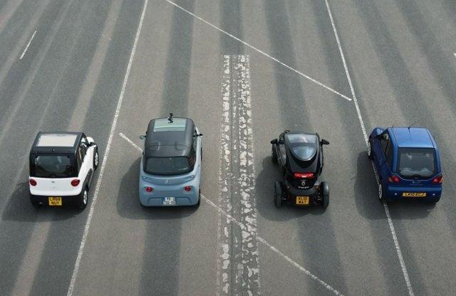 Elektromos minimálautók versenye – tippelj, melyik a leglassabb!