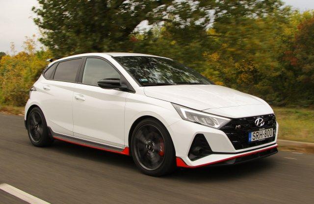 Trónfosztó? – Hyundai i20 N teszt