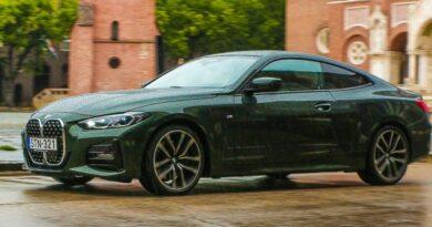Kinek érdemes beleszeretni a kétajtós, M csomagos 430d BMW-be?