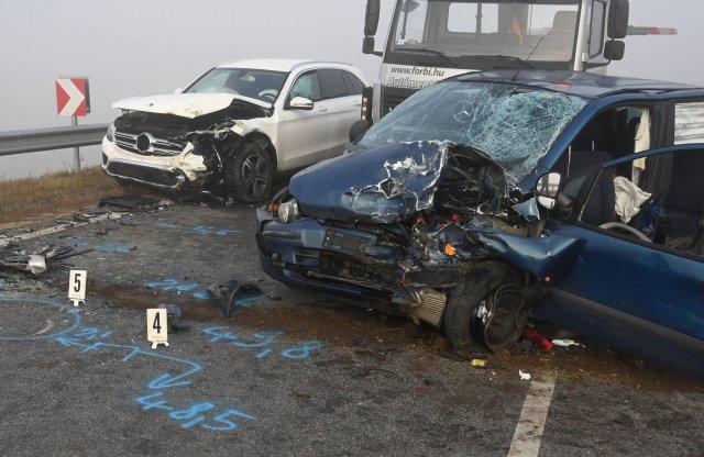 Videón egy súlyos, de több okból is tanulságos baleset mentése