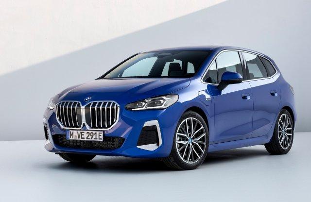 Beárazták itthon a BMW új egyterűjét