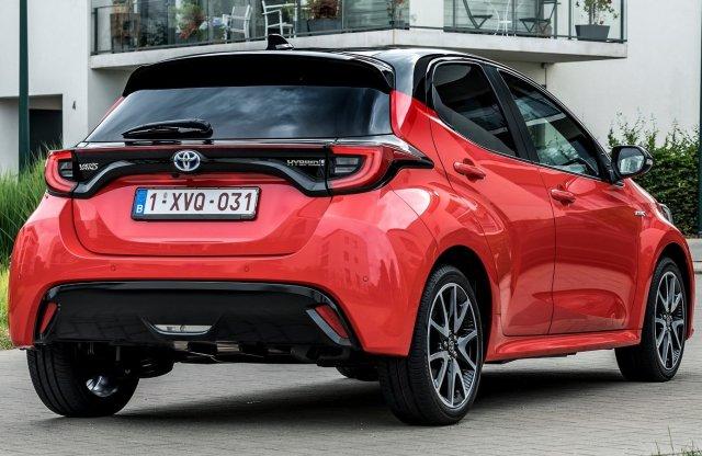 Európába is eljön a Toyota Yaris alapú Mazda2
