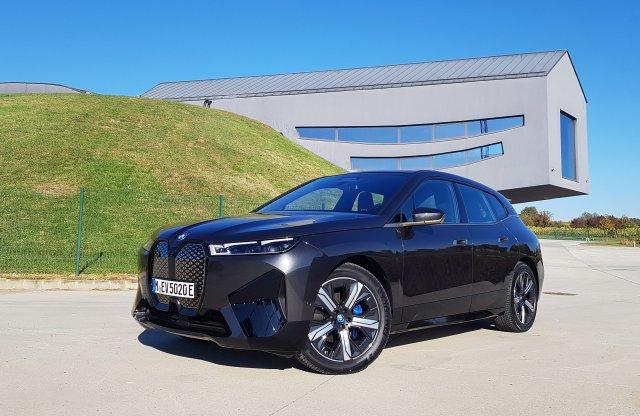Remekbe szabott! – Ilyen a BMW 5. generációs villanyhajtása