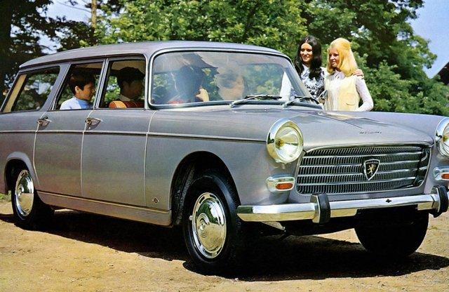 Nem engedi el a kombik kezét a Peugeot – már 70 éve