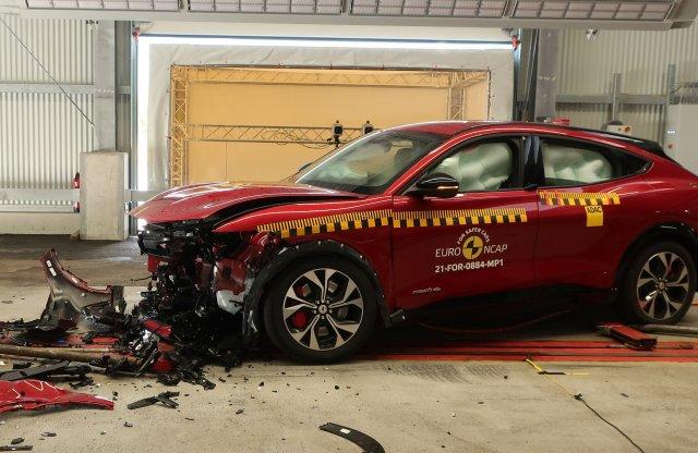 Összetörte a villany Mustangot és az Ioniq 5-öt is az Euro NCAP